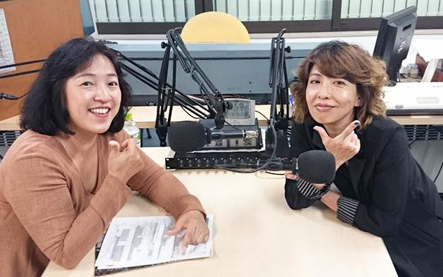 ストの原口理加社長(右)と塚本薫社長(左)