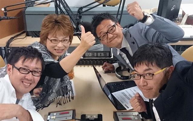 ゲストの鏡さん(左奥)、清﨑さん(右奥)、瀬倉さん(左手前)、坂部さん(右手前)