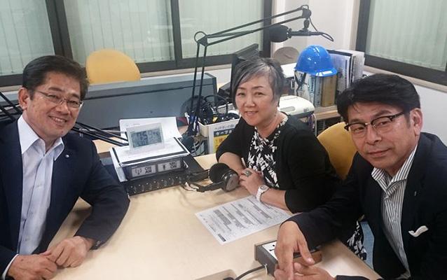 ゲストの小屋松徹彦さん(写真左)、早咲京子さん(写真右奥)、杉山直樹さん(写真右)