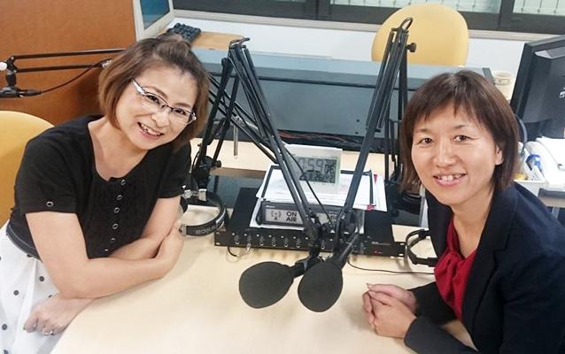 ゲストの鏡照美さん(写真左)、迎恵子さん(写真右)