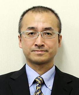 九州財務局 局長 亀水 晋