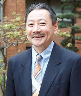 熊本学園大学 商学部教授 勝部 伸夫